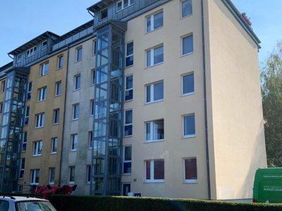 Dresden, Fassadenwäsche, Mehrfamilienhaus, Algenmax, Farbnuance, Renovierung, Fassadenreinigung, Reinigung (4)