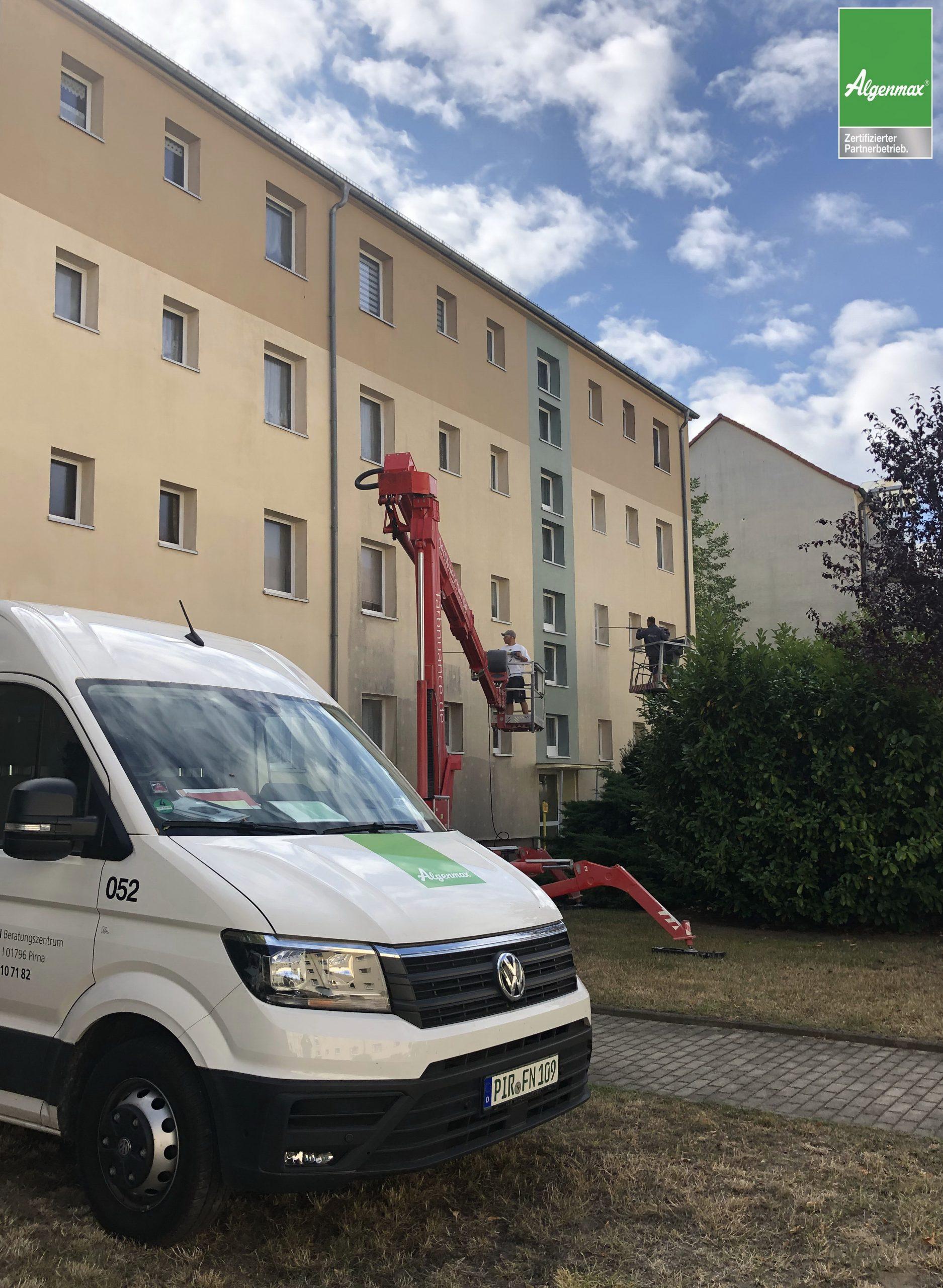 Leipzig, Fassadenwäsche, Fassadenwäscher, Mehrfamilienhaus, Algenmax, Algenfrei, Fassadenreinigung, Farbnuance, Malerfirma, Maler (2)