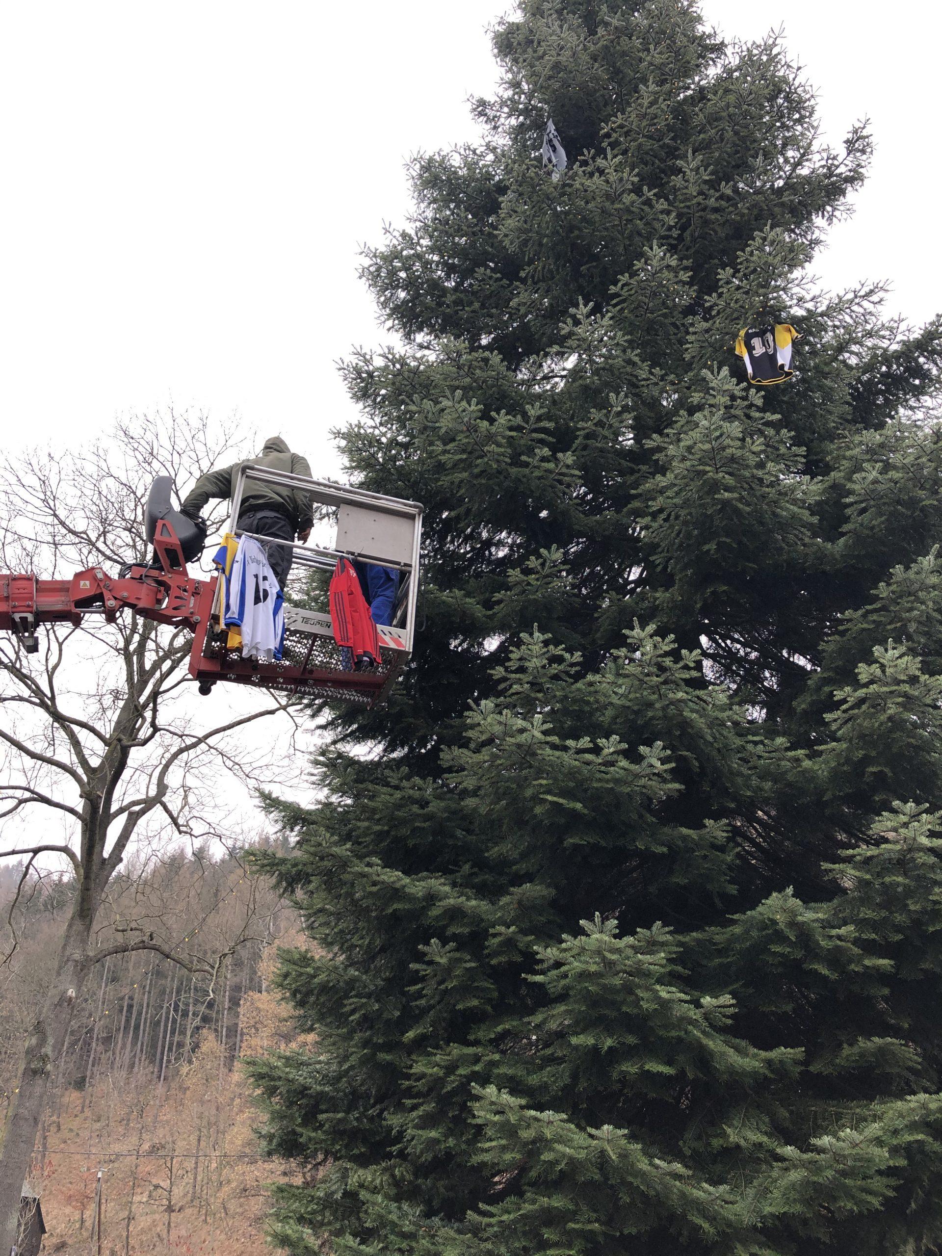 Weihnachtsbaum,Markersbach,Farbnuance,Algenmax,Hubsteiger,Hebebühne,Weihnachten (2)