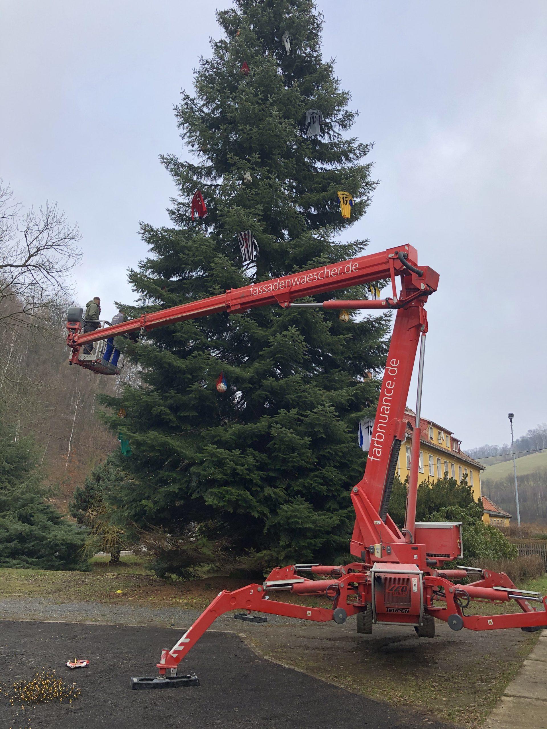 Weihnachtsbaum,Markersbach,Farbnuance,Algenmax,Hubsteiger,Hebebühne,Weihnachten (3)