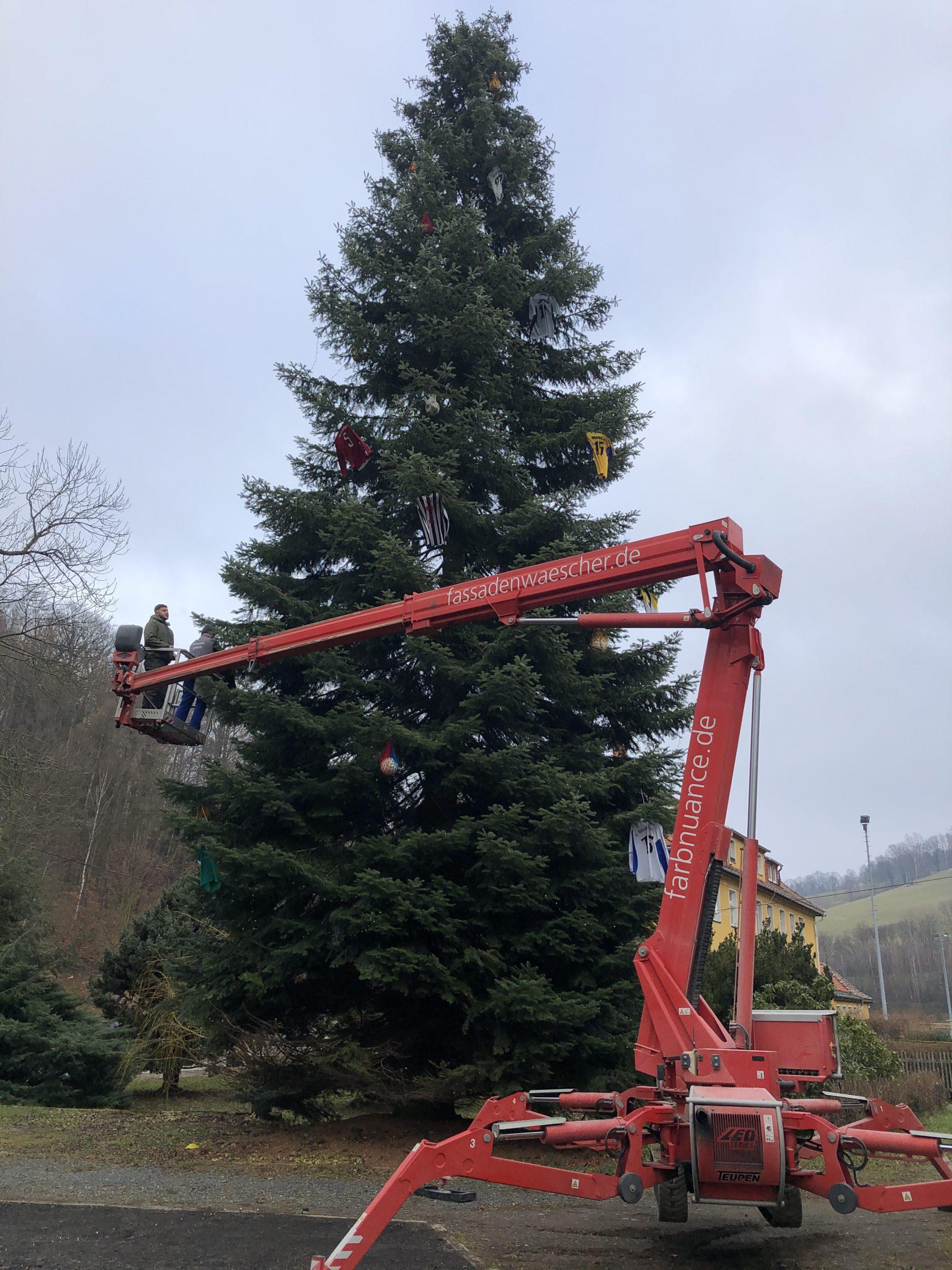 Weihnachtsbaum,Markersbach,Farbnuance,Algenmax,Hubsteiger,Hebebühne,Weihnachten (4)